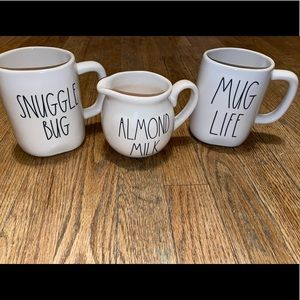 Rae Dunn 2 Mugs & Pourer Set